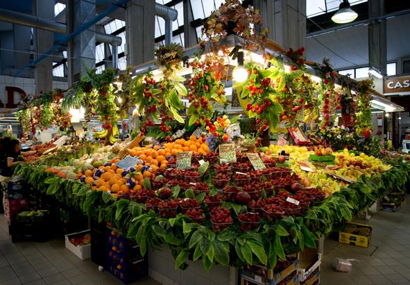 Frutta pi snc commerciante ortofrutta mercato coperto rimini - Immagine di frutta e verdura ...